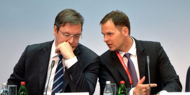Вучић нас лагао за оставку! Мали остаје градоначелник до краја мандата - http://www.vaseljenska.com/wp-content/uploads/2017/07/mali-vucic-660x330.jpg  - http://www.vaseljenska.com/politika/vucic-nas-lagao-za-ostavku-mali-ostaje-gradonacelnik-kraja-mandata/