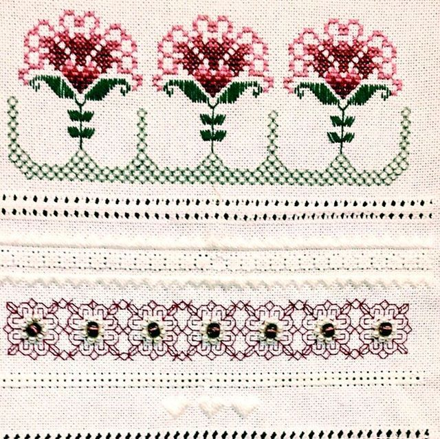A stitching sampler. . . . #customembroidery #embroidery #embroideryart #embroideryart #embroiderylove #embroideryfun #embroiderygirl #handembroidery  #handmade #handembroideryart #loveforembroidery  #AustralianEmbroidery #aussieembroidery #stitching #modernembroidery  #traditionalembroidery #PerthEmbroidery #WAEmbroidery #EmbroideryLessons #EmbroideryWorkshop #embroiderersguild #stitchinglove #experienceWA #embroiderersofinstagram #Perthcreatives #PerthArts #PerthHeritage