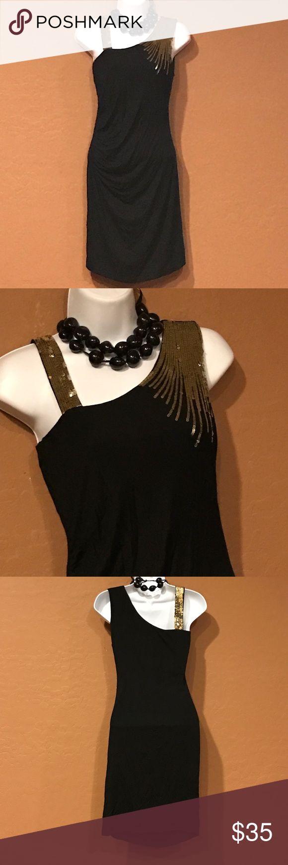 🆕 Short Black Gold Cocktail Dress Never Worn, stretch, embellished gold sequin scraps, above knee. Twentyone Dresses