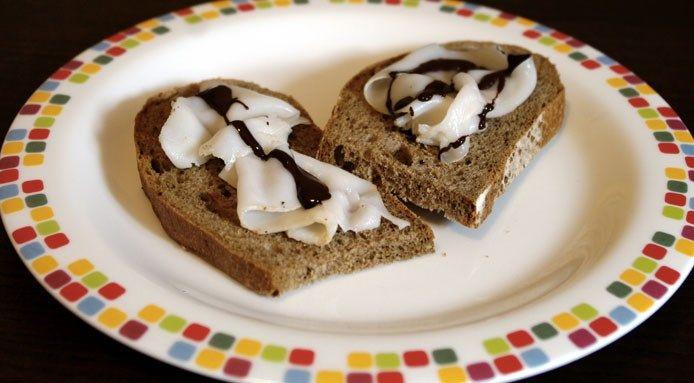 Ricette-inaspettate al cacao-crostini-lardo-e-cioccolata