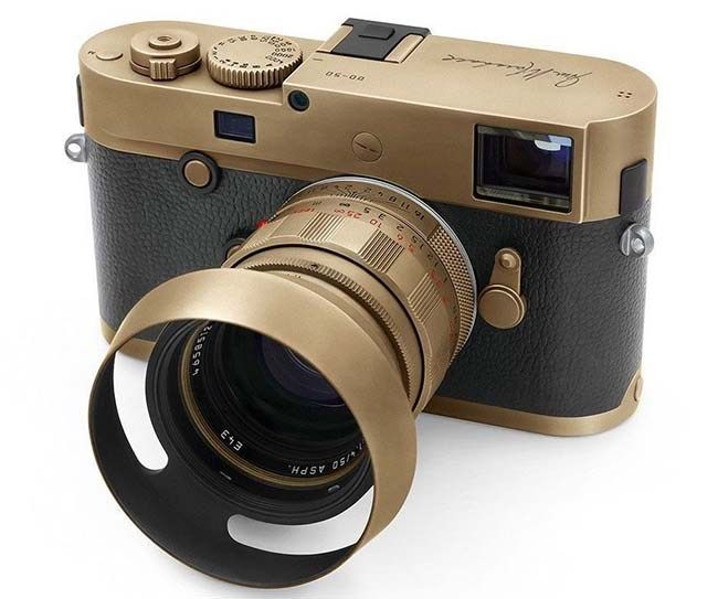 Ready to photograph rockstars? Leica M 246 Jim Marshall Edition Monochrom with 50 Summilux #luxuryes
