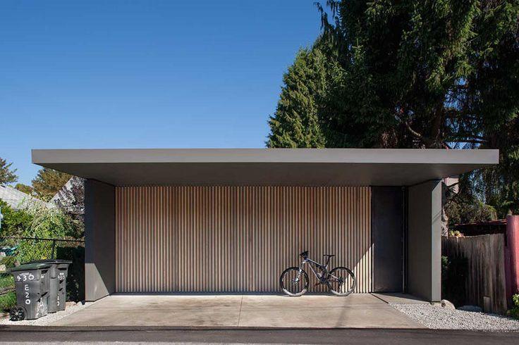 Doppelgarage modern holz  18 Inspirational Examples of Modern Garage Doors | Hauseingang ...