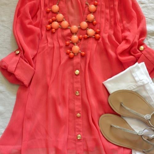 .: Big Necklaces, White Skinny, Statement Necklaces, Color, White Pants, Summer Outfits, Bubbles Necklaces, White Jeans, Tunics