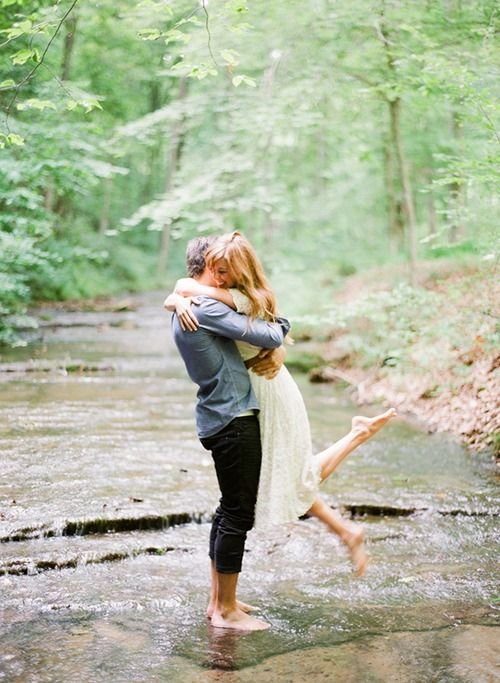 Earthy engagement pictures