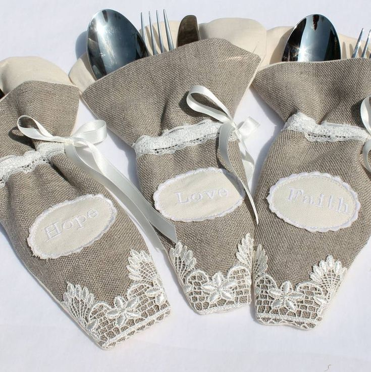 Are you interested in our bulap cutlery pouch? With our cutlery pouch for wedding you need look no further.