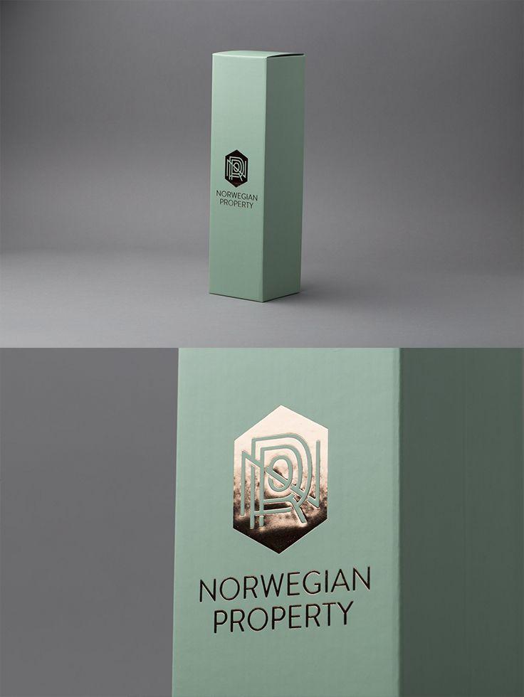 Vin esker for Norwegian Property med foliepreg. #emballasje