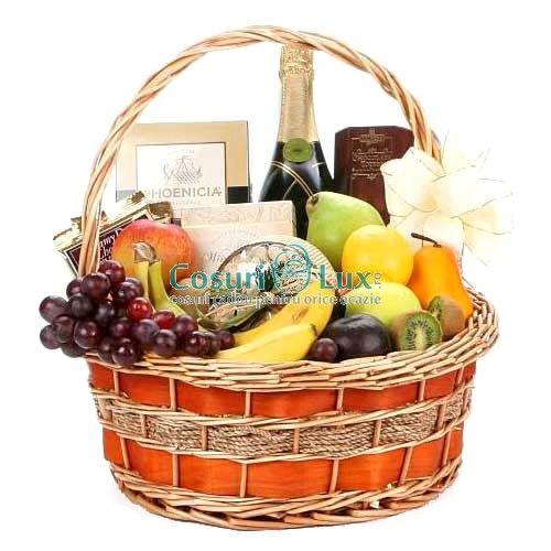 Cos plin cu fructe si sampanie speciala! Un cadou deosebit pentru orice partener de afaceri!