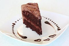 I love these 2 ingredient cakes! This recipe is one I haven't seen before. It doesn't call for any eggs, oil or water. You can make this yummy cake in less than 5 minutes. Click here to get this yummy easy chocolate cake #recipe http://www.livingonadime.com/two-ingredient-cake/