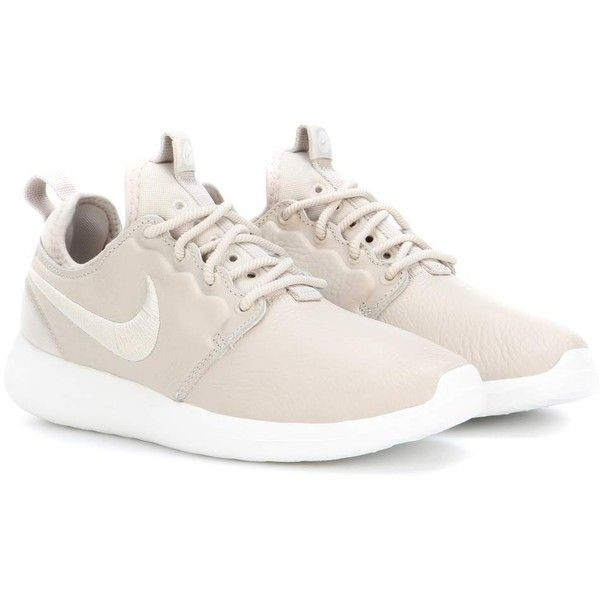 Nike Nike Roshe Two Leather Sneakers ($69) ❤ liked on Polyvore featuring shoes, sneakers, beige, real leather shoes, nike, genuine leather shoes, leather trainers and leather footwear