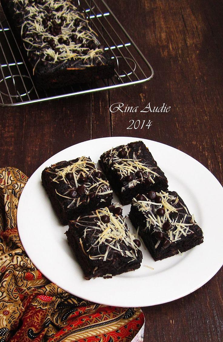 Brownies Pisang Ketan Hitam (Panggang)