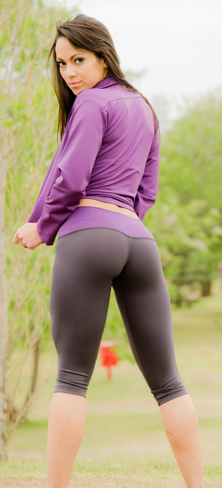 Hot chicks in yoga pants pussy