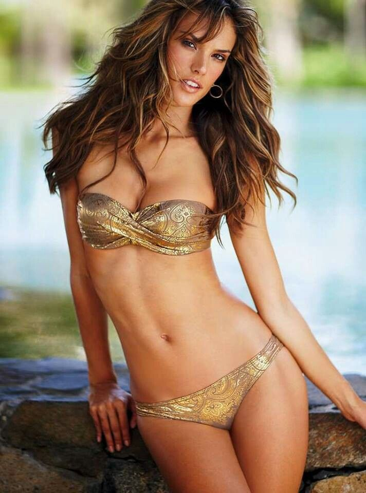 Alessandra Ambrosio VS swim 2014 I'm in love with her hair! I want this haircolor, I love the highlights and the bangs. So summer style! #loveit!
