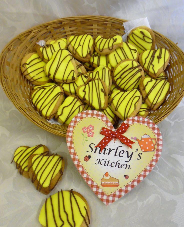 Lemon & chocolate biscuits