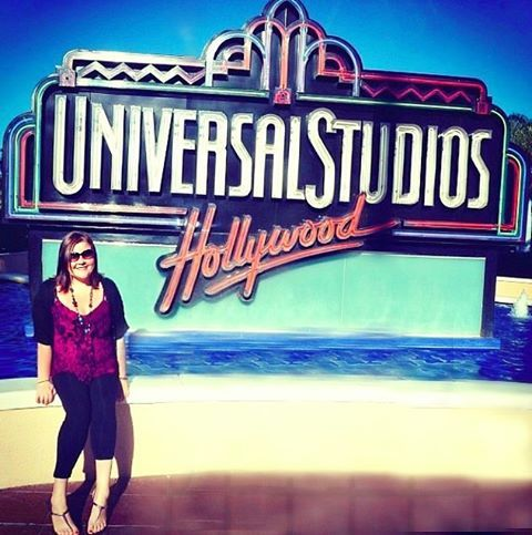 Let's be honest, I really love Universal Studios. The Simpsons Ride and the Backlot Tour were my two favourites, in case you were wondering! I just need to go back & visit the Wizarding World of Harry Potter now that it's open! 🎡🎢 🎬⭐️ by her.suitcase. instatravel #jetset #beauty #packing #femaletravel #losangeles #flyaway #wanderlust #travelgram #tourism #travel #wanderer #instapassport #ladieswhotravel #photography #la #travelphotography #hersuitcase #universalstudios #themepark…