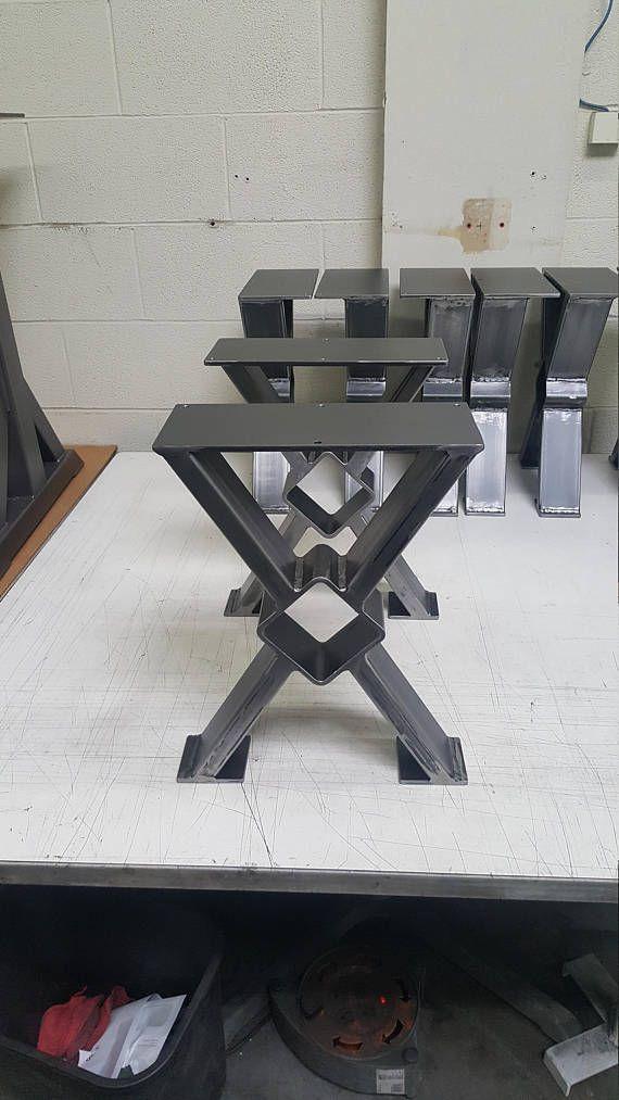 X - estilo Banco, tabla de extremo, lado mesa patas de acero. Este listado está para el juego de 2 patas de banco X tubería de acero. 16 H x 12 W - patas de Banco -Hecho de tubos de acero - 3 x 1 x 14 ga pared y plano de acero de 1/4 x 5 . Interior cuadrado es 3 1/2 -Acabado - materia prima de acero, claro cubierto, negro plano. ** Orificios, no incluye tornillos Trabajo con dimensiones personalizadas. Rápida cotización ***