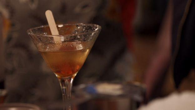 Martini à l'érable | Télé-Québec | Un chef à la cabane | http://unchefalacabane.telequebec.tv/recettes/23/martini-a-l-erable
