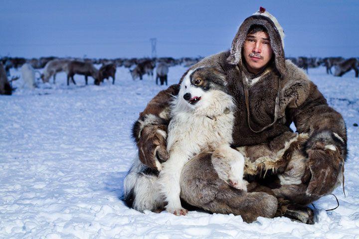 Des habitants de Sibérie prennent la pose pour la première fois de leur vie dans d'émouvantes photographies