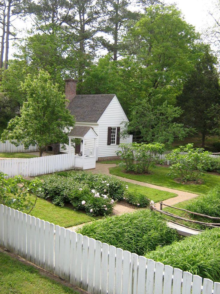 25+ Best Ideas About Picket Fence Garden On Pinterest