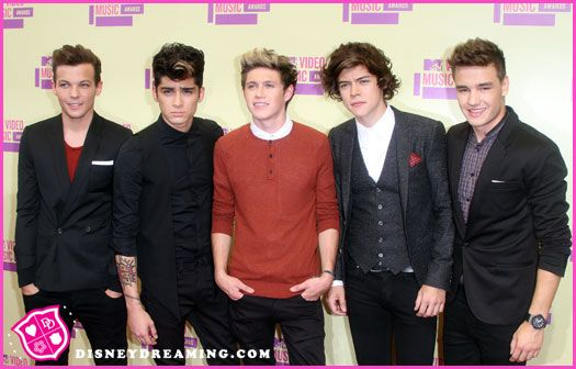 """One Direction Performs """"One Thing"""" At The 2012 MTV Video Music Awards"""