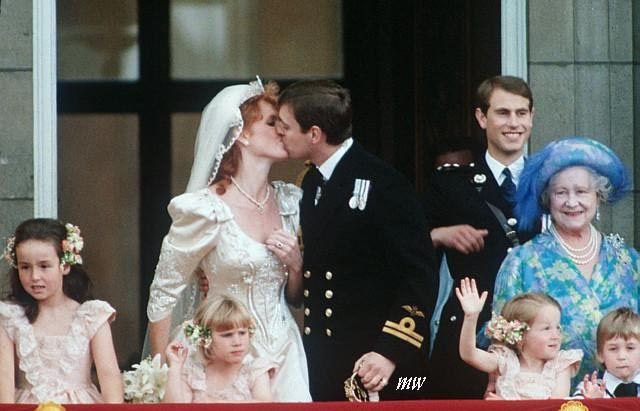 The Kiss Prince Andrew And Sarah Ferguson After The Wedding