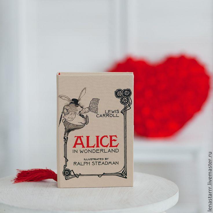 """Купить Клатч-книга """"Алиса в стране чудес"""" - бежевый, однотонный, клатч, клатч в виде книги"""