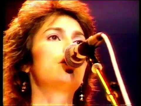Emmylou Harris - The Boxer   (Live at Wembley Arena 1977)
