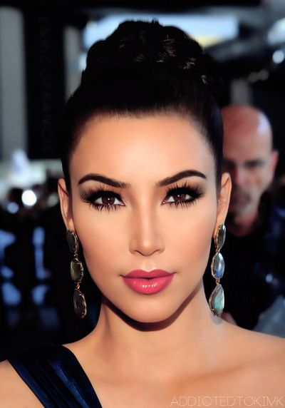 Kim Kardashian make up, love the watermelon lip color