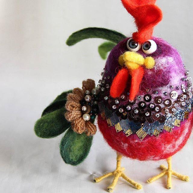 Cute Needle felted wool rooster (Via @cho_oyu)