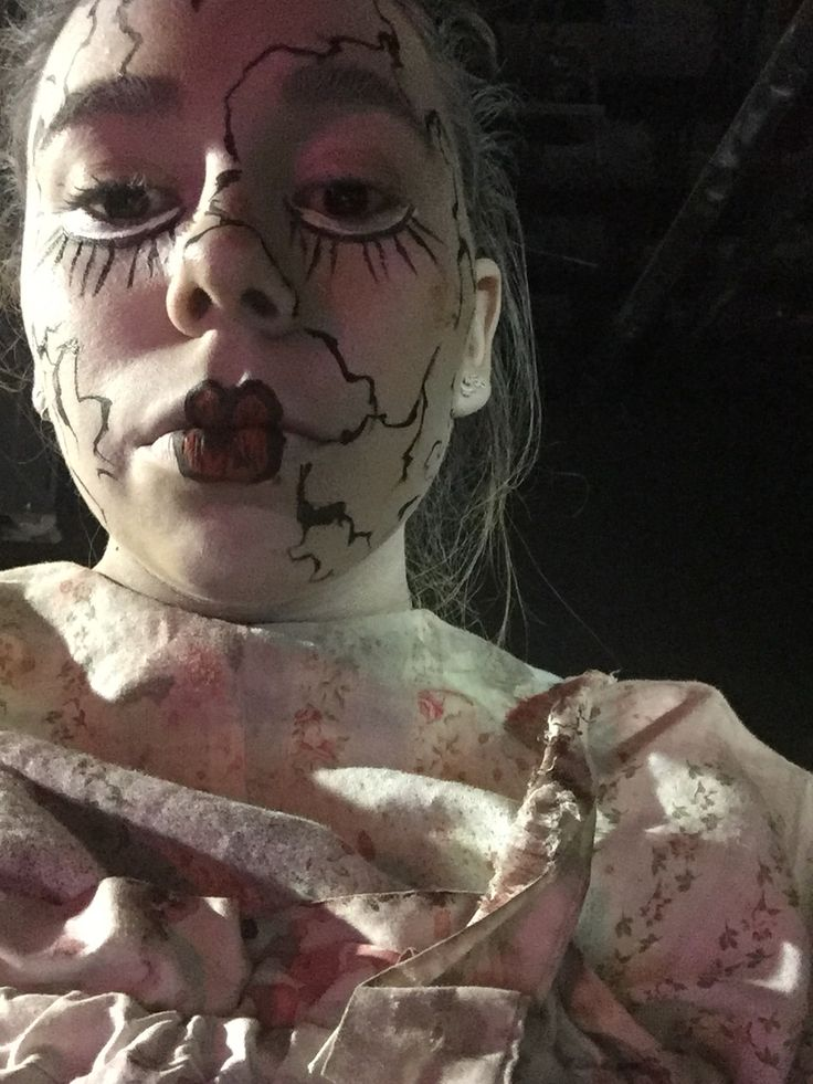 Doll make up for halloween