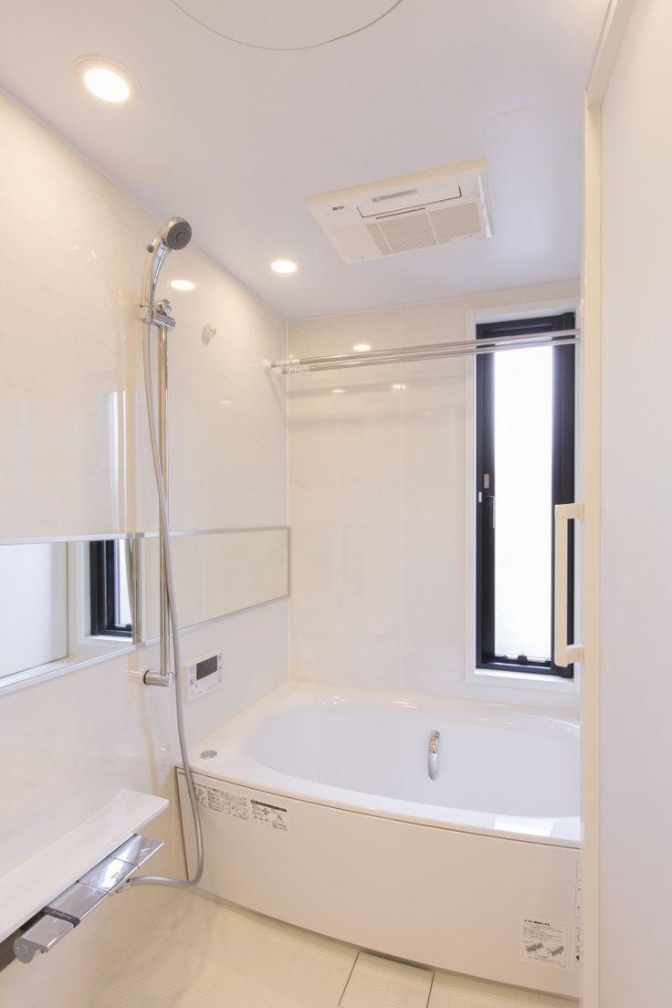 洗面/バスルーム光あふれる/明るい/日当たり お風呂に窓 ユニットバス CO+ GALLERY(コプラスギャラリー) | コーポラティブハウスの株式会社コプラス
