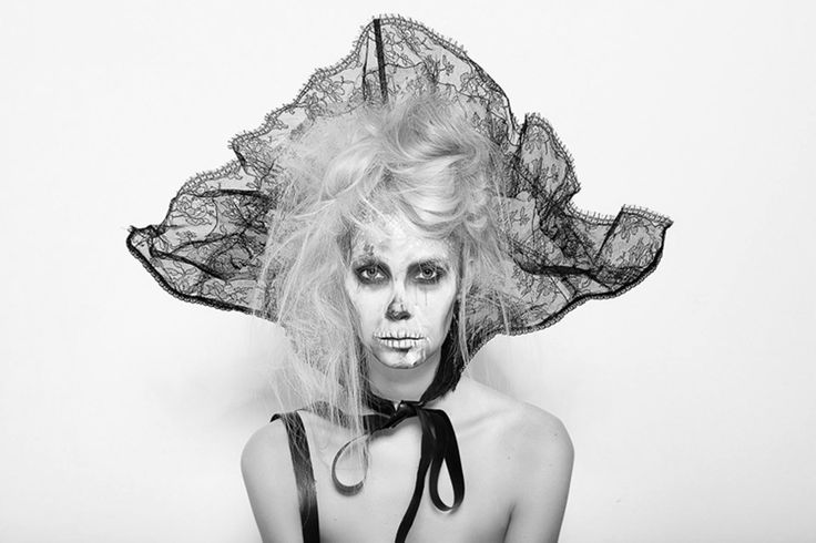 gTIE Neckwear&Accessories // Unique lace collar // photo: Diana Luganski