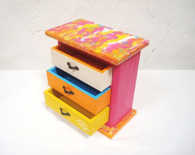calpearts cajas de vinos recicladas decoradas a mano de