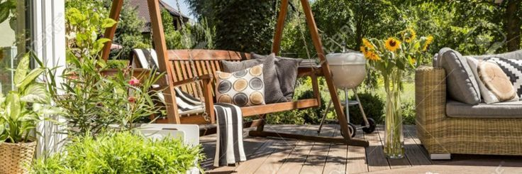 Schaukeln für den Garten und ihre Verwendung bei der Gestaltung des Außenraums