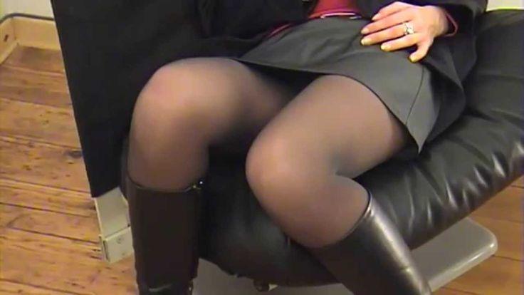 Черные колготки, сапоги, юбка