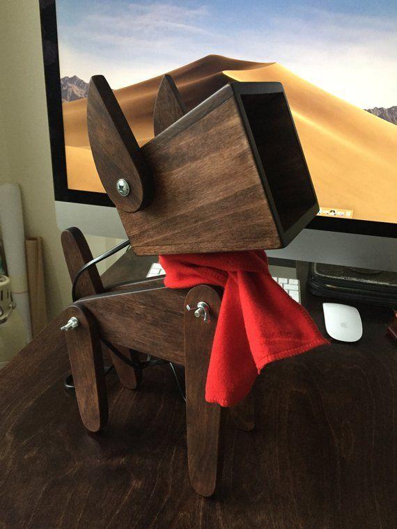 Articles Similaires A En Bois D Aulne Lampe Chien Veilleuse Pour Les Enfants 5 Sur Etsy Wood Lamps Rustic Wood Floors Wooden