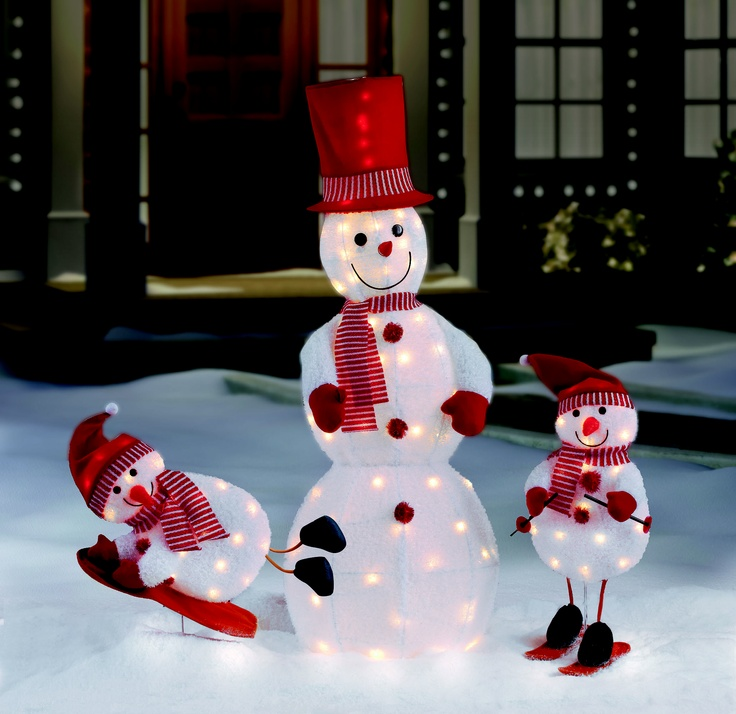 Who doesn't love snowmen? Designed for both indoor and outdoor use, these will liven up your holiday #decor.
