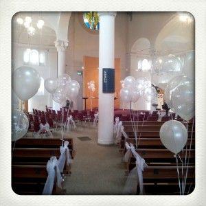 helium ballonnen in de kerk