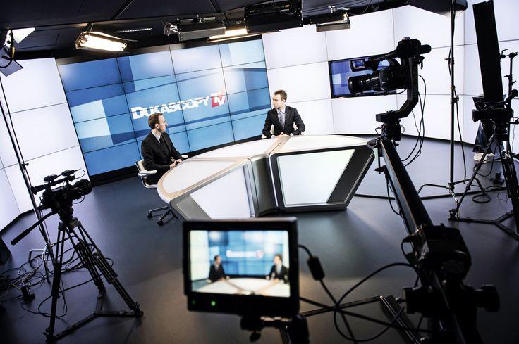 Duksacopy Bank. Studio de télévision de la banque qui diffuse des programmes accessibles sur internet. © François Wavre/Rezo
