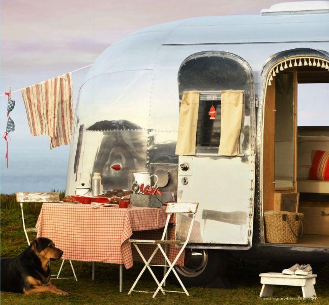 Perfect Breakfast Spot: Vintage Trailers, The Roads, Summer Roads Trips, Vintage Airstream, Vintage Wardrobe, Camps, Airstream Dreams, Airstream Trailers, Vintage Campers