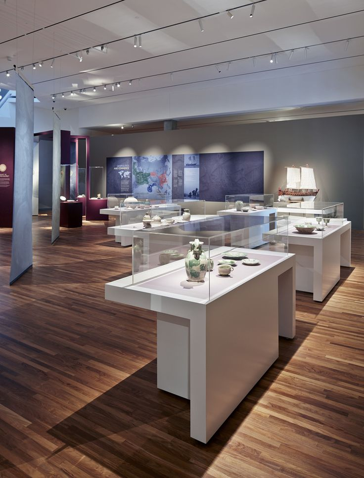 Cargo display, Lost Dhow, Aga Khan Museum, Exhibit Design by: Origin Studios Inc.