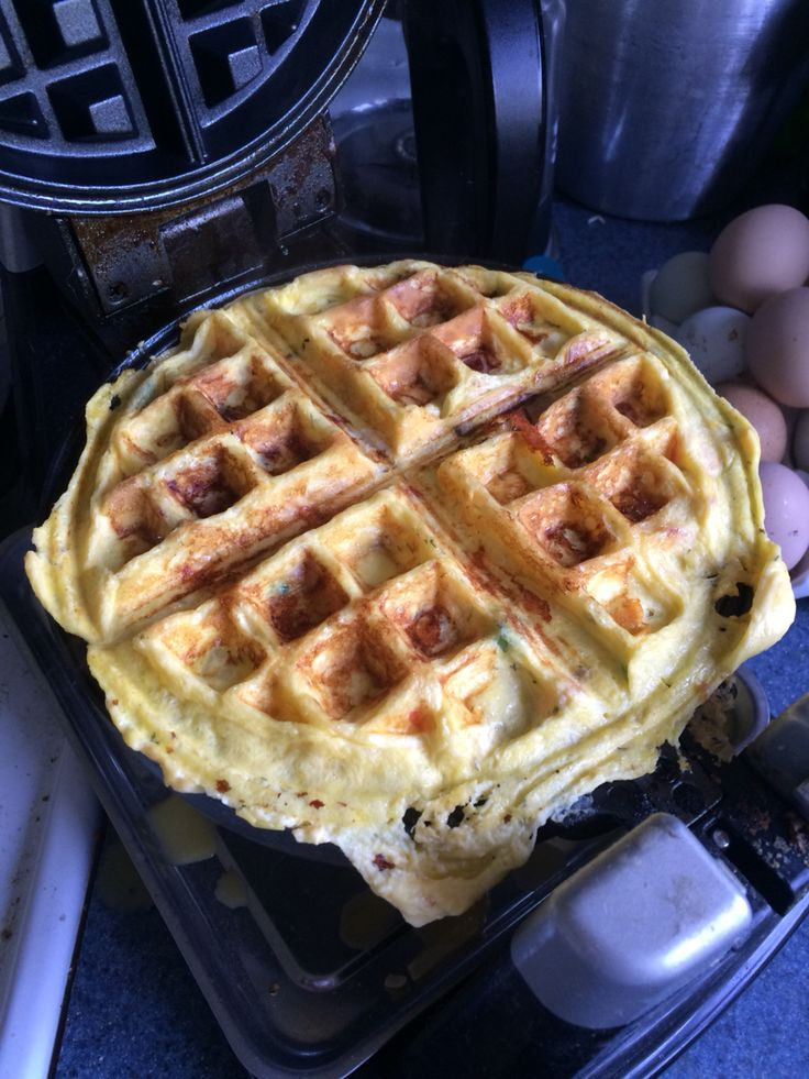 how to cook eggs in a waffle maker
