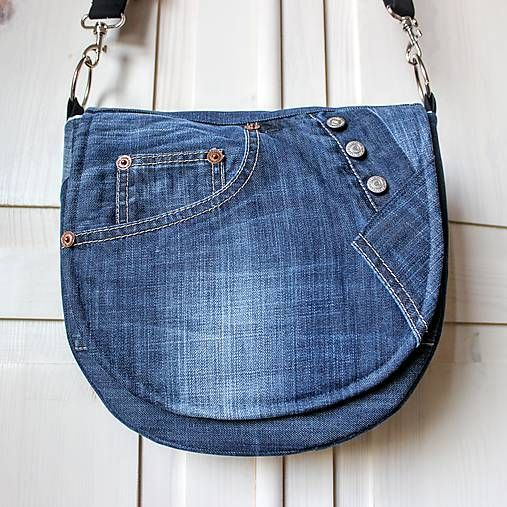Táto šikovná kabelka v tvare pastierskej kapsy …