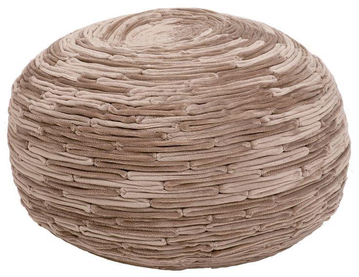 ZicZac Poef - Bamboe Taupe       Heerlijk zachte poef van het mooie merk ZicZac, met prachtige bamboe-look!De poef is voorzien van een ritssluiting om de vulling bij te vullen. Uiteraard kun je de hoes ook wassen.  Hoe zou de poef staan tijdens de feestdagen bij jou in de huiskamer?  Productkenmerken van de poef:  Materiaal:100%microfiber Diameter: 50cm Hoogte: 35 cm Vulling: EPS parels