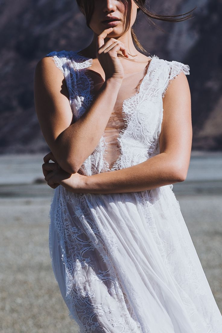 Genevieve| Grace Loves Lace | The Oracle Editorial #bohoweddingdress #bohemianweddingdress #laceweddingdress