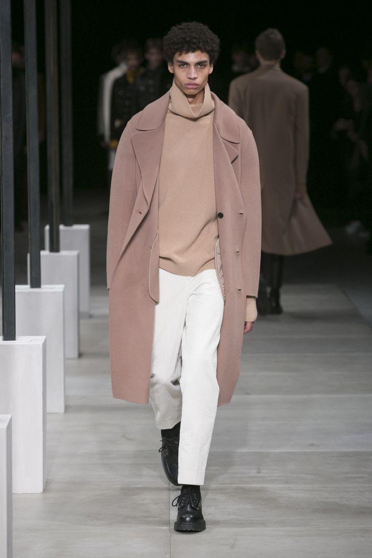 Sandro Fall 2016 Menswear Collection Photos - Vogue gepinnt vom GentlemanClub - weitere spannende Beiträge auch in meinem Blog www.thegentlemanclub.de