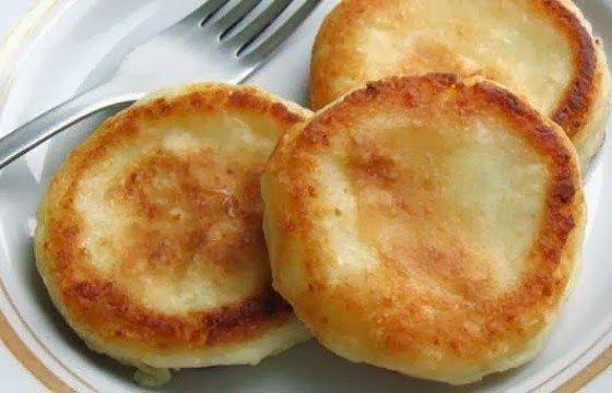 Сырники нежнейшие и пышные (без яиц) (творог, сахар, мука, соль)