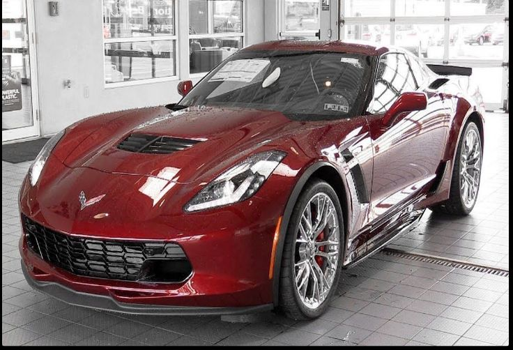 The 2018 Corvette Z07offers outstanding style and technology both inside and out. See interior & exterior photos. 2018 Corvette Z07New features complemented by a lower starting price and streamlined packages.The mid-size 2018 Corvette Z07offers a complete lineup with a wide variety of finishes and features, two conventional engines.