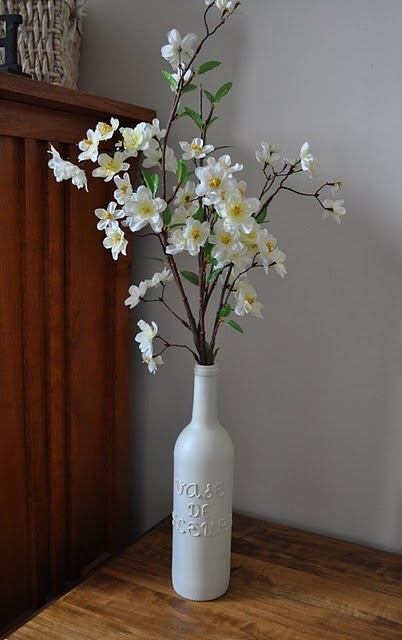 how to make your own wine bottle vase!