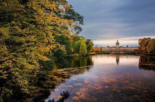 ღღ Berlin/Germany ~~~ Autumn leaves move with the lake current in front of the Charlottenburg Palace.