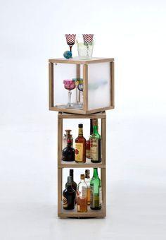 Libreria Zia Babele in legno massello liberamente componibile http://www.onfuton.com/portfolio_item/la-zia-babele/